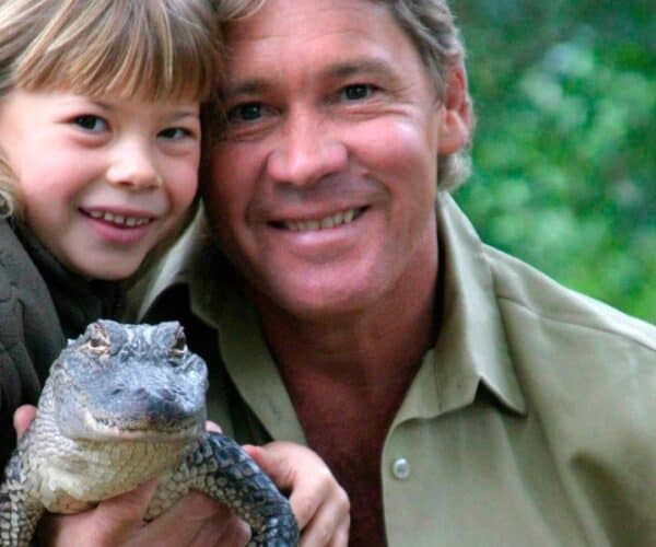 """Bindi Irwin The Daughter Of The """"Crocodile Hunter"""" Announced Her Pregnancy With A Photo"""