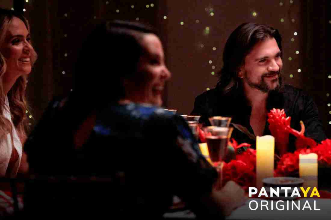 """Juanes invites his friends to celebrate an """"ETERNAL CHRISTMAS"""" What is it about?"""